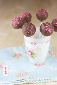 Receta Cake pops y cake balls bicolores (con consejos para la Babycakes)