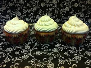 Receta Cupcakes de Vainilla con chips de chocolate blanco y frosting de chocolate blanco
