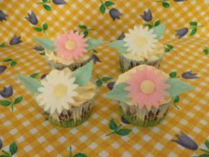 Receta Cupcakes de limón rellenos con frosting de limón