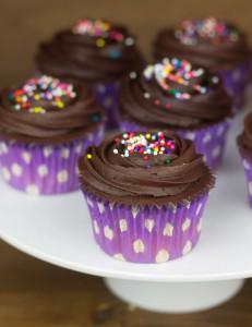 Receta Cupcakes de chocolate negro, baileys y chocolate blanco contra la Mutilación Genital Femenina