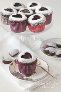 Receta Cupcakes de chocolate con corazón de fresa